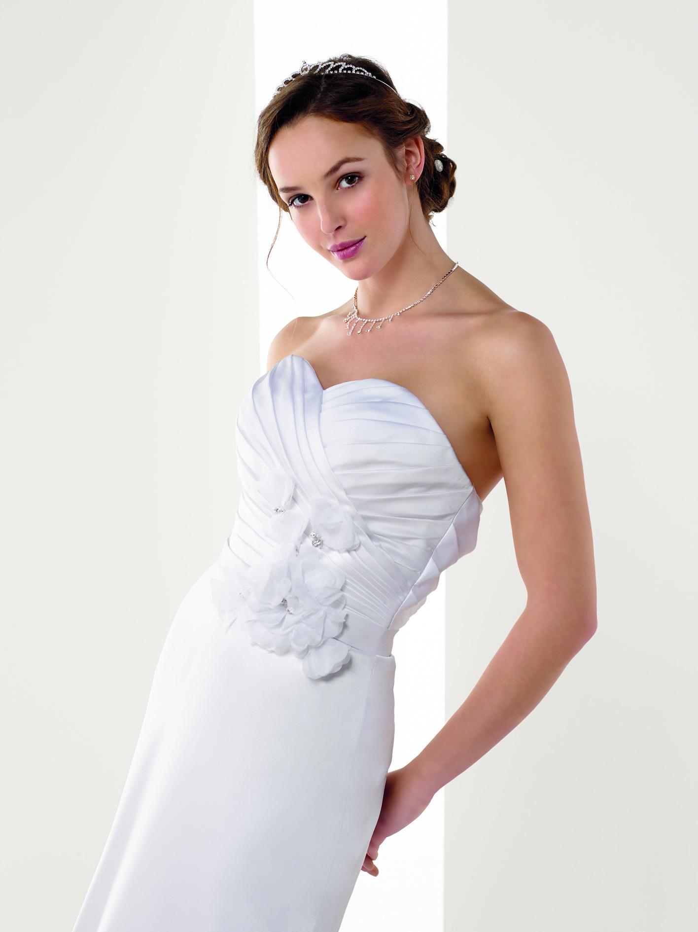 070f1a6d2fe5 Atelier Tsourani Νυφικα φορεματα βραδινα και τουαλετες Atelier ...
