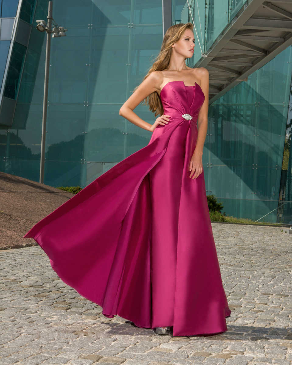 3fe64ddbfdf9 Atelier Tsourani » Εντυπωσιακα Βραδινα φορεματα μεταξωτα αερινα μοναδικα