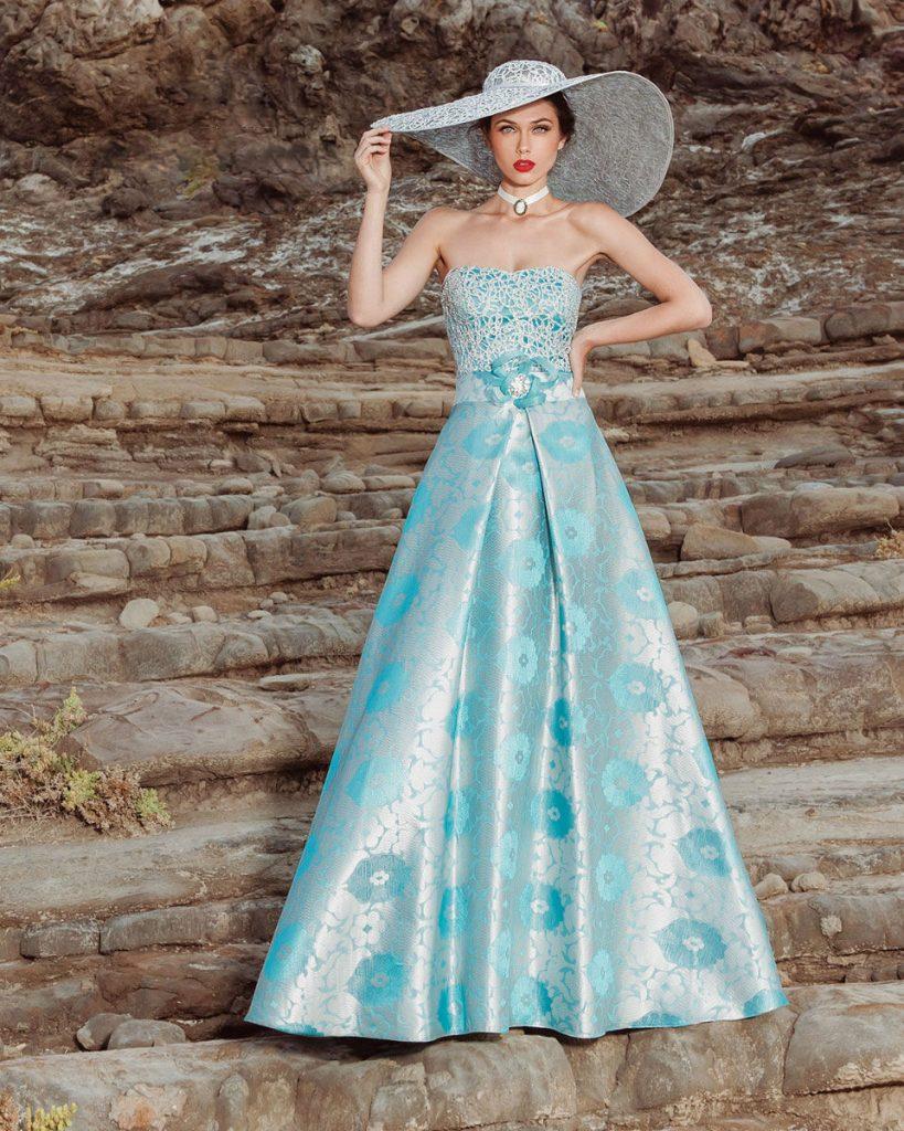 Βρες, στο Atelier Tsourani, το πιο εντυπωσιακό φόρεμα για φθινοπωρινό γάμο και μάζεψε όλα τα βλέματα θαυμασμού πάνω σου! Κλείσε ραντεβού στο 2107018232.