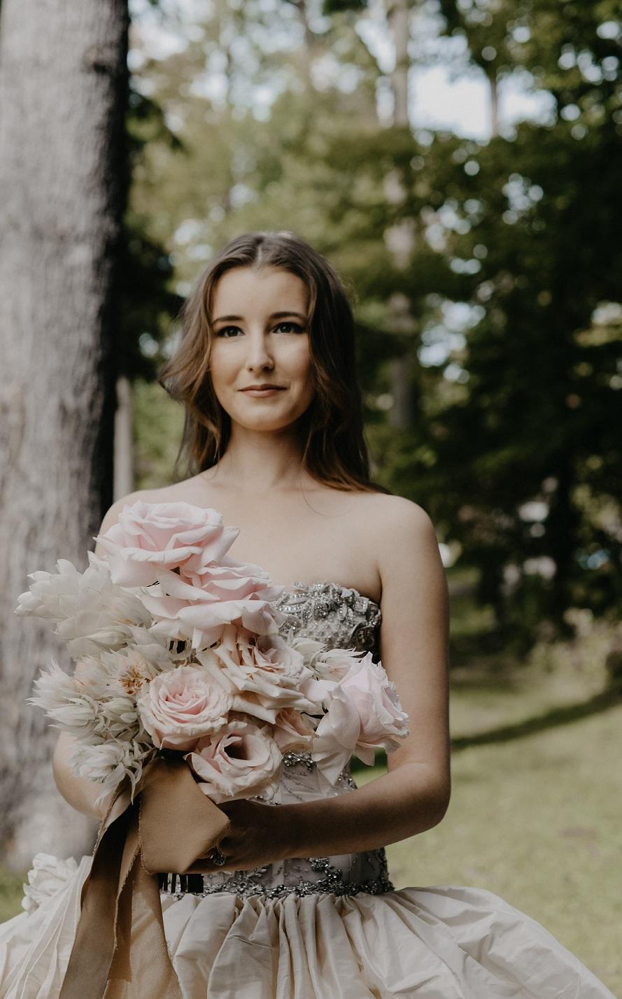 Πότε να ράψω το νυφικό μου - Atelier Tsourani - beautiful wedding dress